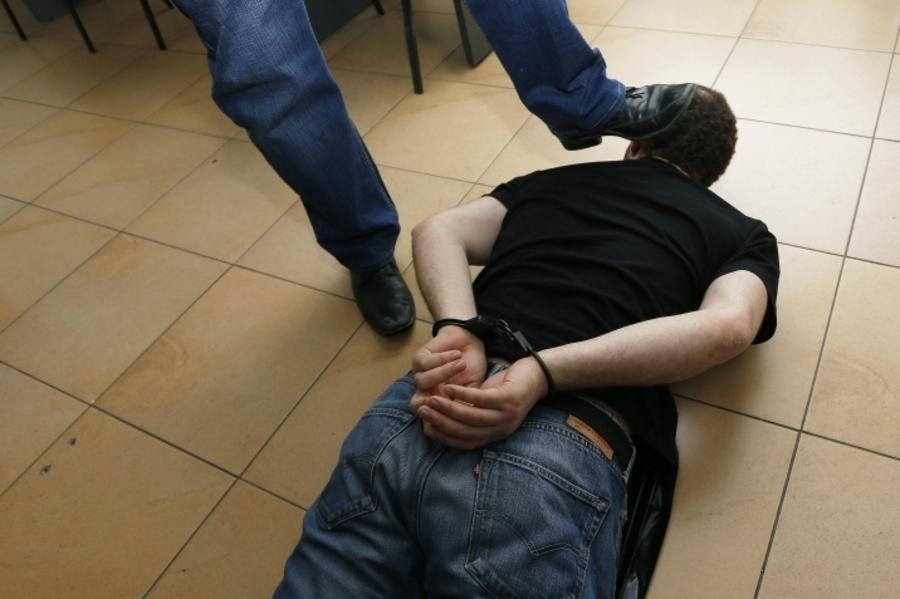 Избили задержанного